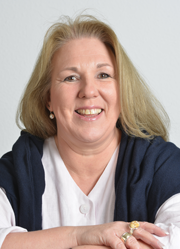 Corina Hartwig-Blesinger <BR> <H6> Assistant to the Managing Director